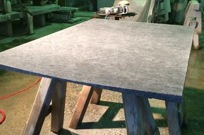 Duschtasse aus Orion Grau/blau Granit satiniert.